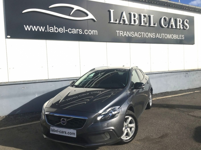 VOLVO V40 CROSS COUNTRY D3 150CH MOMENTUM BUSINESS GEARTRONIC